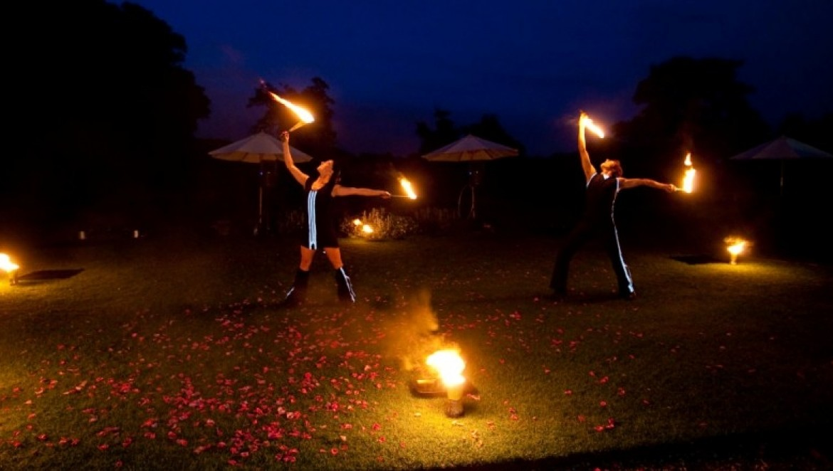 Juggling Inferno - Fire Performers