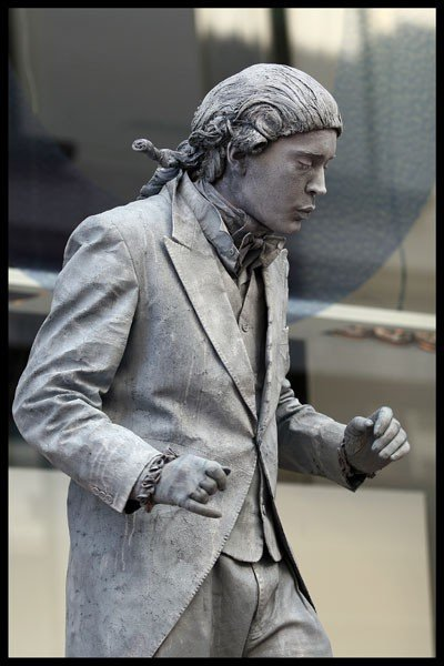Amazing Living Statues Gallery