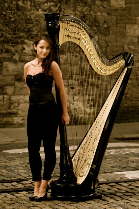 The Classical & Contemporary Harpist Gallery