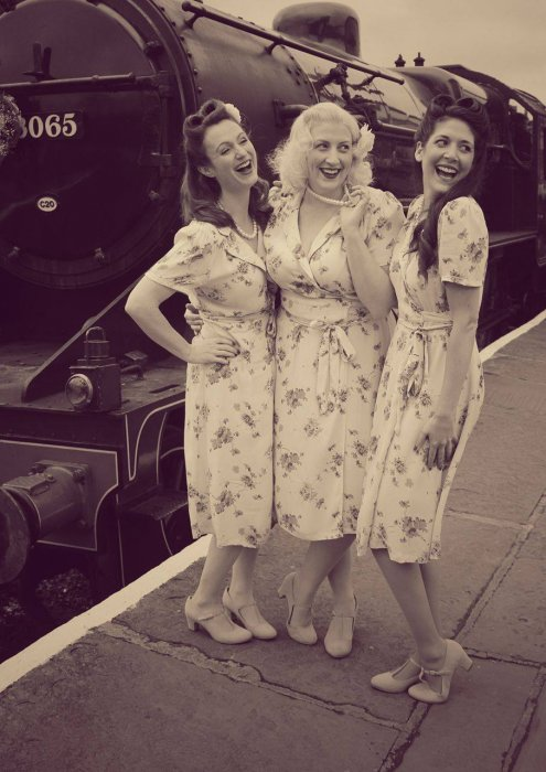 Femmes of the Forties Gallery